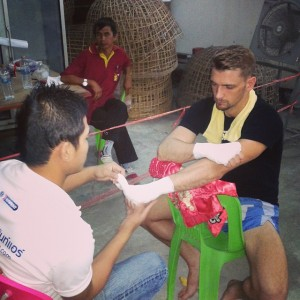 Ognjen having his hands wrapped by Sila