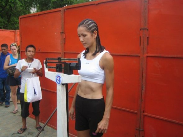 Weighing in at 118lb for the S-1 tournament at Sanam Luang, August 12th, 2006.